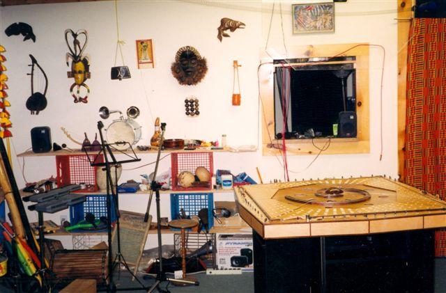 2002-02-Celestia-Harp-0013a-352-queen