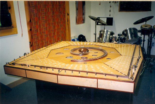 2002-02-celestia-harp0013b-352-queen